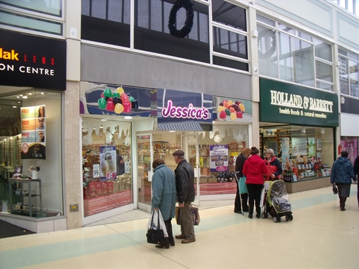 Dudley, Unit 13, Churchill Shopping Centre -  High Street