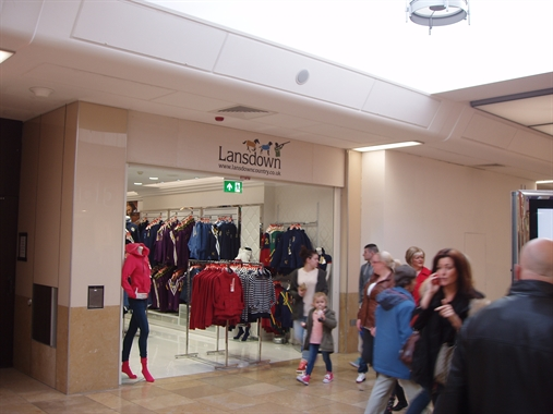 Cardiff, 10 Catheral Walk - 826 SF Shopping Centre