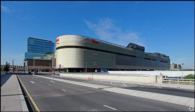 London, Westfield Stratford City Shopping Centre - 1,000 SF Shopping Centre