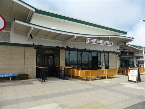 Southport, Unit B, Marine Parade - 2,852 SF Out of Town
