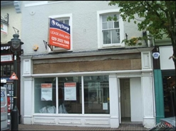 571 SF High Street Shop for Rent  |  15 Nott Square, Carmarthen, SA31 1PQ