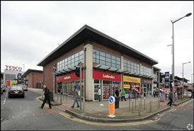 1,533 SF Shopping Centre Unit for Rent | Unit 8, Cheetham Hill Shopping Centre, Manchester, M8 5EL