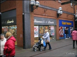 944 SF Shopping Centre Unit for Rent  |  The Galleries Shopping Centre, Wigan, WN1 1QF