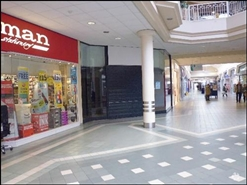 1,901 SF Shopping Centre Unit for Rent  |  Unit 18a, Hart Shopping Centre, Camberley, GU15 3LA