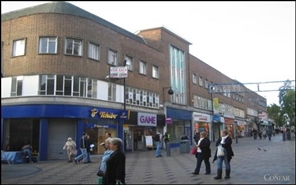 1,324 SF High Street Shop for Rent  |  3 Westgate, Wakefield, WF1 1JZ