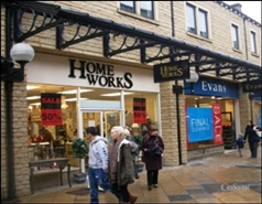 1,044 SF Shopping Centre Unit for Rent  |  Woolshops Shopping Centre, Halifax, HX1 1RJ