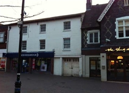 861 SF High Street Shop for Rent  |  132A High Street, Bromsgrove, B61 8ES
