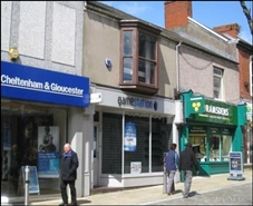 986 SF High Street Shop for Rent  |  12 Union Street, Swansea, SA1 3EF