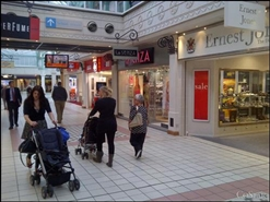 788 SF Shopping Centre Unit for Rent  |  The Mall, Camberley, GU15 3SW