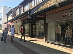 1,106 SF Shopping Centre Unit for Rent  |  11 Vicarage Walk, Yeovil, BA20 1EU