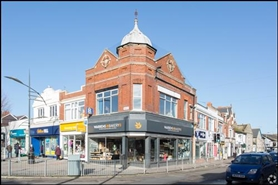 559 SF High Street Shop for Rent  |  55 The Parade, Exmouth, EX8 1RD