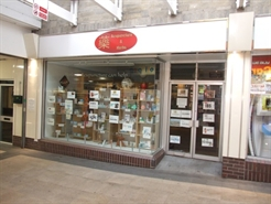 697 SF Shopping Centre Unit for Rent  |  Unit 10, The Crispin Centre, Street, BA16 0HP