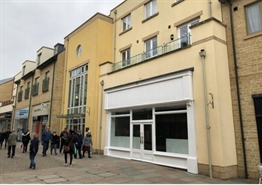 920 SF Shopping Centre Unit for Rent  |  Unit 12, Marriotts Walk, Witney, OX28 6GW