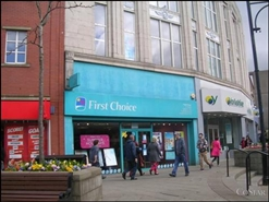 714 SF High Street Shop for Rent  |  27 Market Place, Oldham, OL1 3AB