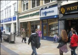 205 SF High Street Shop for Rent  |  6 Cornmarket Street, Oxford, OX1 3EX