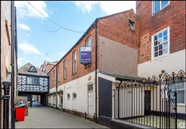 1,122 SF High Street Shop for Rent  |  The Cross, Worcester, WR1 2PQ