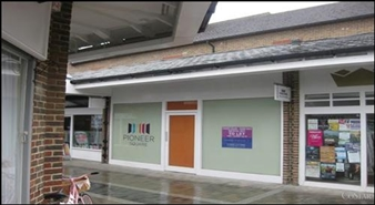 669 SF Shopping Centre Unit for Rent  |  Unit 18, Crown Walk Shopping Centre, Bicester, OX26 6HY