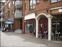 951 SF High Street Shop for Rent  |  92 Gloucester Green, Oxford, OX1 2BU