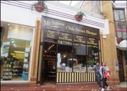 323 SF Shopping Centre Unit for Rent  |  Unit 30, The Spires Shopping Centre, Barnet, EN5 5XY