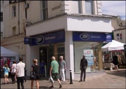 653 SF High Street Shop for Rent  |  212 Queens Road, Hastings, TN34 1QP