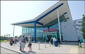 5,000 SF Out of Town Shop for Rent  |  Unit R1a, M20 Folkestone Services, Hythe, CT21 4BL