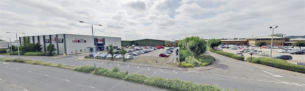 3,000 SF Retail Park Unit for Rent  |  Victoria Park, Nottingham, NG4 2PA