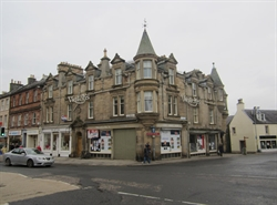 538 SF High Street Shop for Rent  |  2 4 High Street, Peebles, EH45 8SF