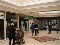 261 SF Shopping Centre Unit for Rent  |  Unit 35, The Orchards Shopping Centre, Dartford, DA1 1DN