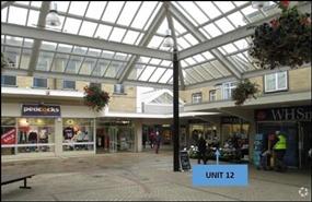 698 SF Shopping Centre Unit for Rent  |  Unit 12, Three Horseshoes Walk Shopping Centre, Warminster, BA12 9BT