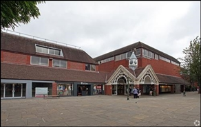 905 SF Shopping Centre Unit for Rent  |  Unit 29, Swan Walk Shopping Centre, Horsham, RH12 1HQ