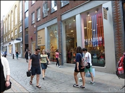 1,759 SF High Street Shop for Rent  |  9 - 15 Neal Street, London, WC2H 9PW