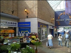 1,064 SF Shopping Centre Unit for Rent  |  17, Middle Entry Shopping Centre, Tamworth, B79 7NJ
