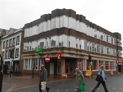 2,200 SF High Street Shop for Rent  |  4/6 Market Place, Newbury, RG14 5BD