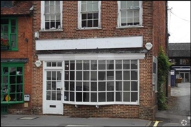 482 SF High Street Shop for Rent  |  85 West Street, Farnham, GU9 7EN