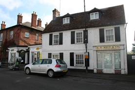 93 SF High Street Shop for Rent  |  32 High Street, Amesbury, SP4 7DL