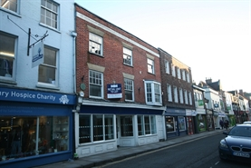913 SF High Street Shop for Rent  |  17 19 Catherine Street, Salisbury, SP1 2DF