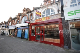 633 SF High Street Shop for Rent  |  124, Ealing, W13 9RT