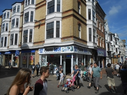 742 SF High Street Shop for Rent  |  20 St Thomas Street, Weymouth, DT4 8EW