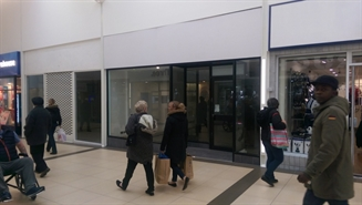 914 SF Shopping Centre Unit for Rent  |  Queens Square Shopping Centre, Unit 3, West Bromwich, B70 7NJ