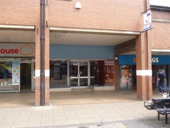 1,075 SF Shopping Centre Unit for Rent  |  41 Bedford Street (Unit 9) Beacon Shopping Centre, North Shields, NE29 6PX