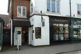 558 SF High Street Shop for Rent  |  46 High Street, Lyndhurst, SO43 7BG