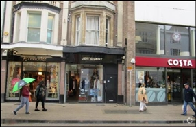 1,033 SF High Street Shop for Rent  |  29 Queen Street, Oxford, OX1 1ER