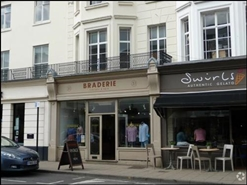 990 SF High Street Shop for Rent  |  51 Warwick Street, Leamington Spa, CV32 5JR