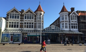 317 SF High Street Shop for Rent  |  Unit 7 The Arcade, Bognor Regis, PO21 1LH