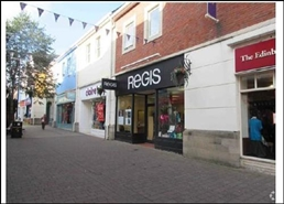 561 SF Shopping Centre Unit for Rent  |  Unit 11, Merlins Walk Shopping Centre, Carmarthen, SA31 3BN