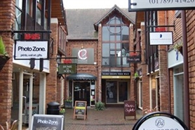 990 SF Shopping Centre Unit for Rent  |  7 Old Red Lion Court Bridge Street, Stratford Upon Avon, CV37 6AB