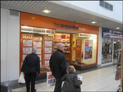 1,077 SF Shopping Centre Unit for Rent  |  Unit 6, Kingsgate Shopping Centre, Dunfermline, KY12 7QU