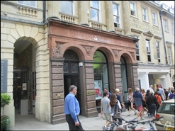 962 SF High Street Shop for Rent  |  42 Milsom Street, Bath, BA1 1DN