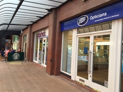 1,088 SF Shopping Centre Unit for Rent  |  25 Victoria Street, Blackpool, FY1 4HU