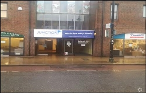 142 SF High Street Shop for Rent  |  Kiosk Unit 41a, Smith Bradbeer House, Eastleigh, SO50 5LG